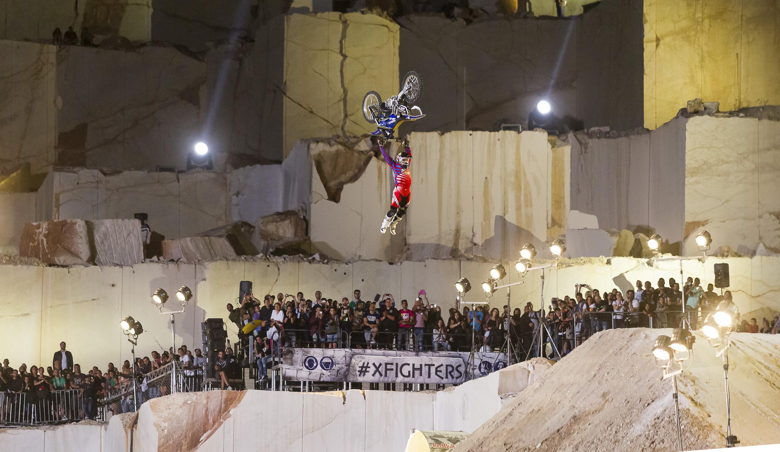 Portfolio(20150612 – Red Bull X-Fighters Athen – 1235)