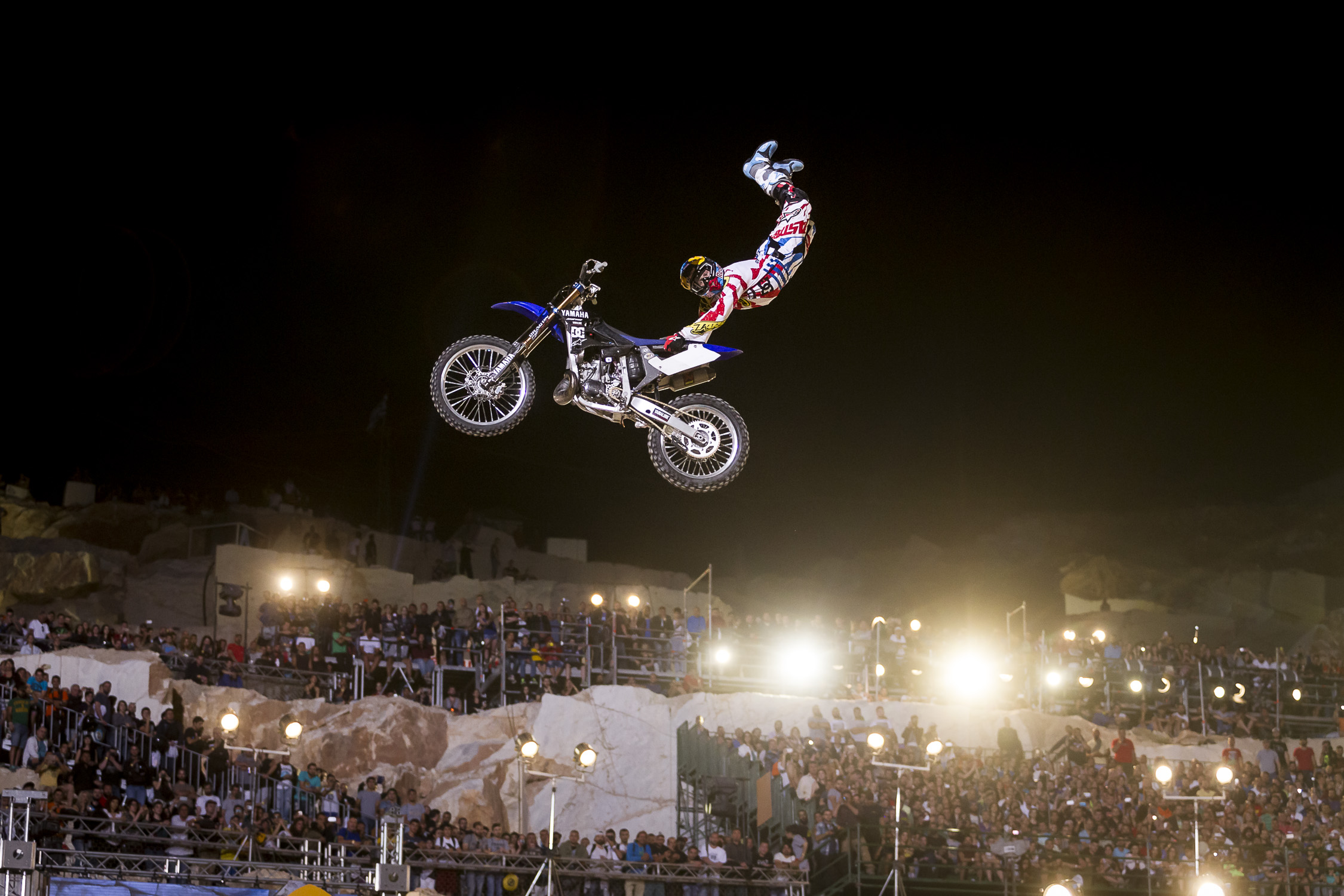 Portfolio(20150612 – Red Bull X-Fighters Athen – 449)