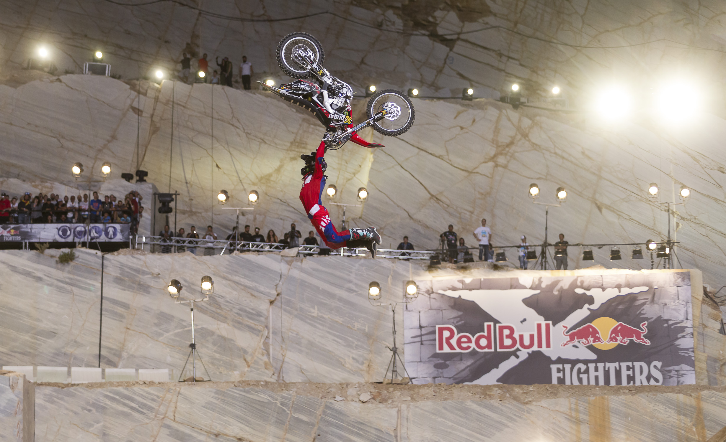 Portfolio(20150612 – Red Bull X-Fighters Athen – 459)