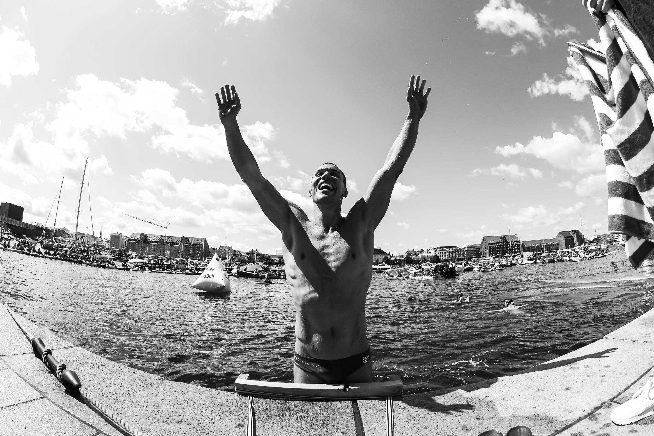 Portfolio(20150620 – Red Bull Cliffdiving Kopenhagen 2015 – 693)