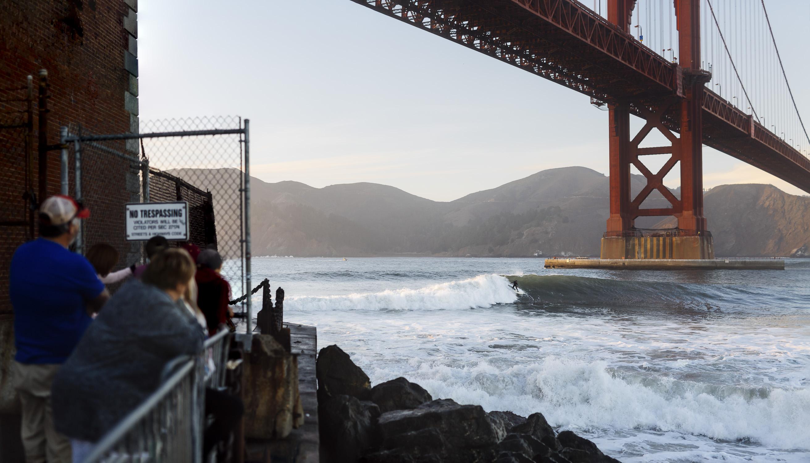 Portfolio(20151026 – Surfer Golden Gate Bridge – 141-Bearbeitet)