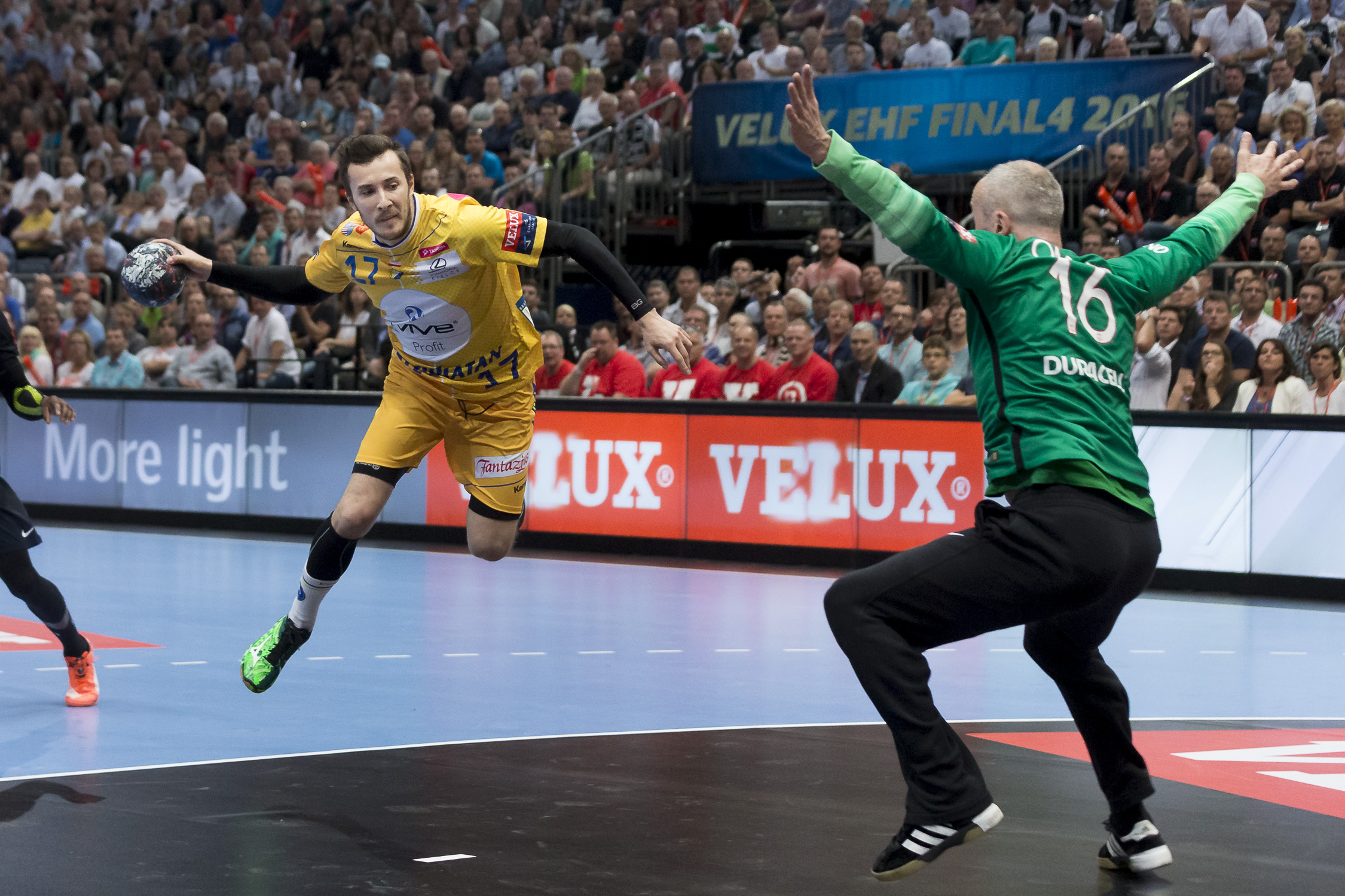 Portfolio(20160528 – EHF Final Four – 1HF Kielce vs Paris – 383 (20160528 – Final4 – 642 (BC3T9888)))