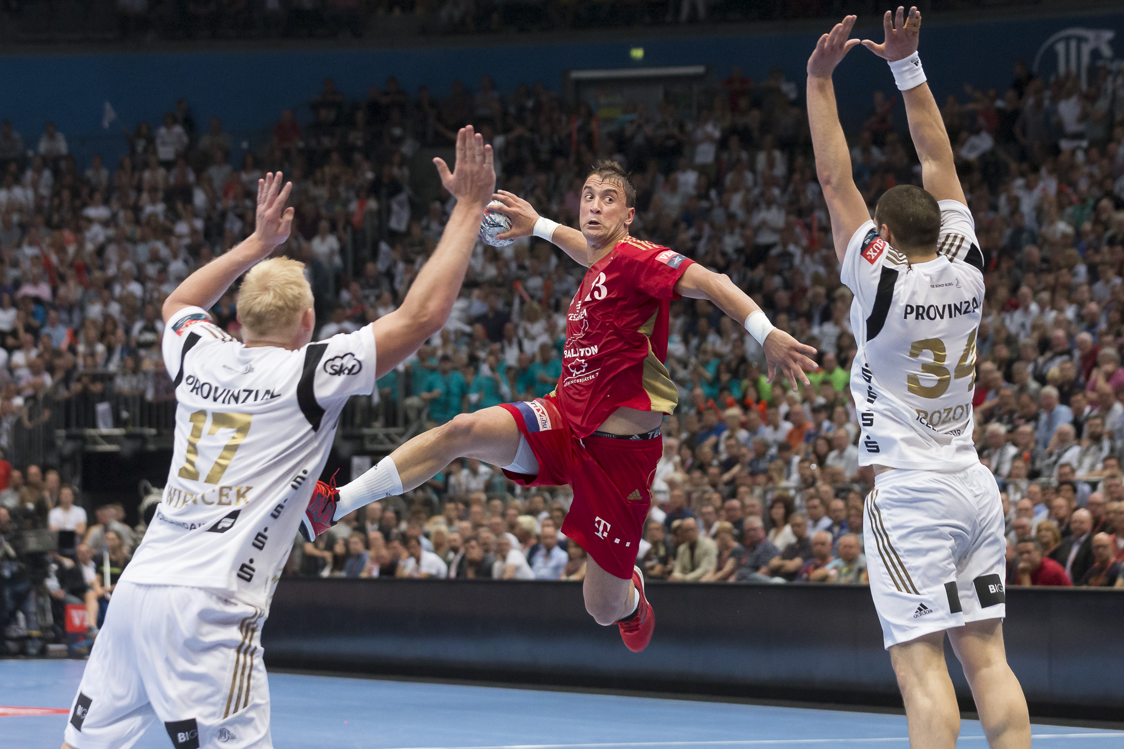 Portfolio(20160528 – EHF Final Four – 2HF Kiel vs Veszprem – 95 (20160528 – Final4 – 913 (BC3T9755 2)))