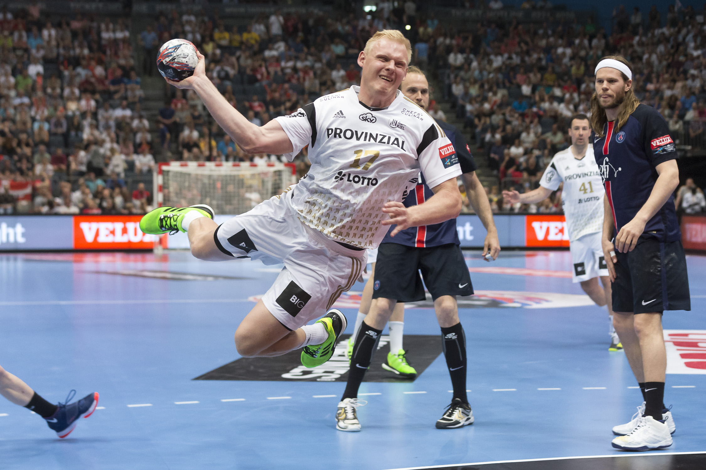 Portfolio(20160529 – EHF Final Four – 3 Platz Kiel vs Paris – 125 (BC3T0355))