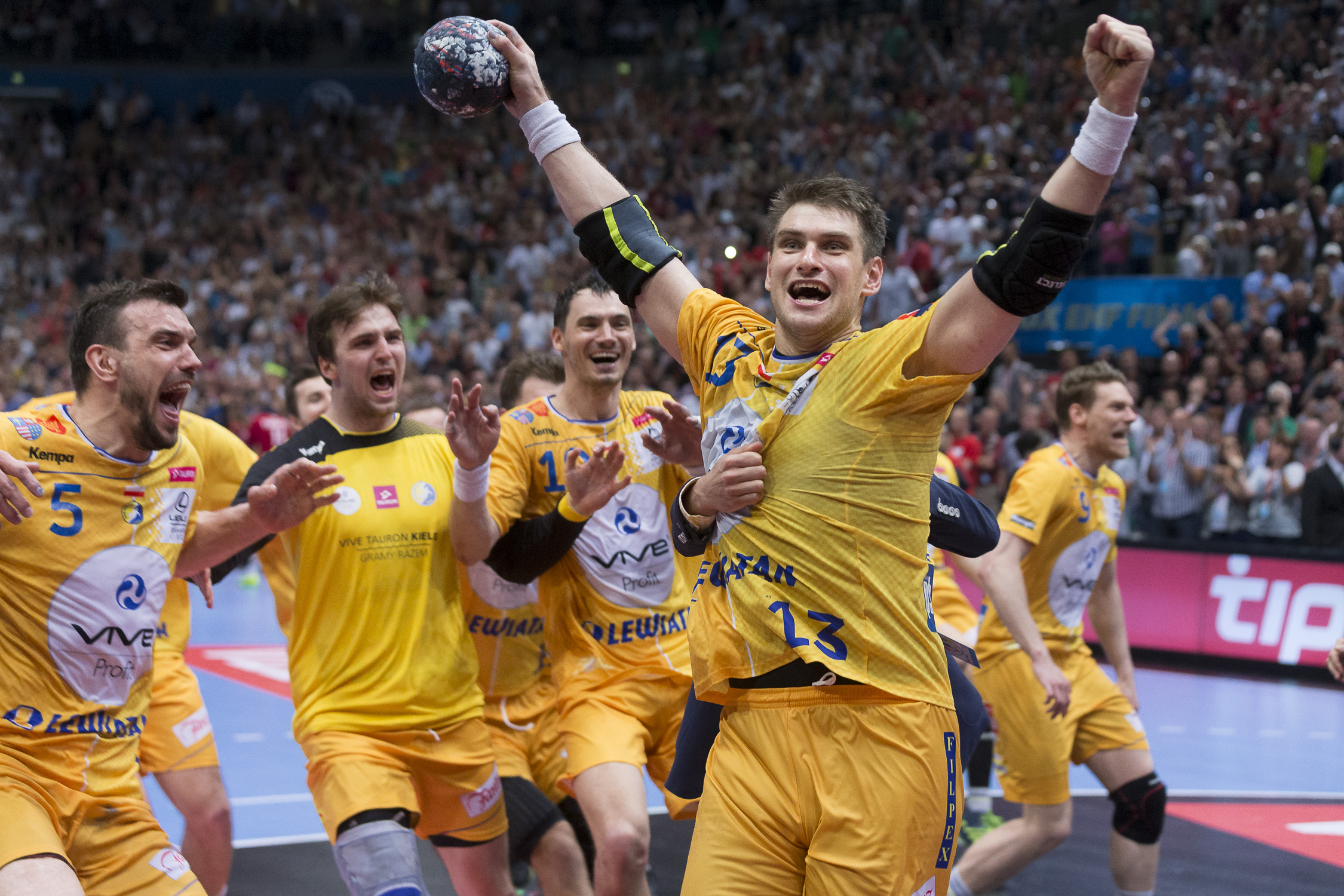Portfolio(20160529 – EHF Final Four – Final Kielce vs Veszprem – 313 (BC3T0820))