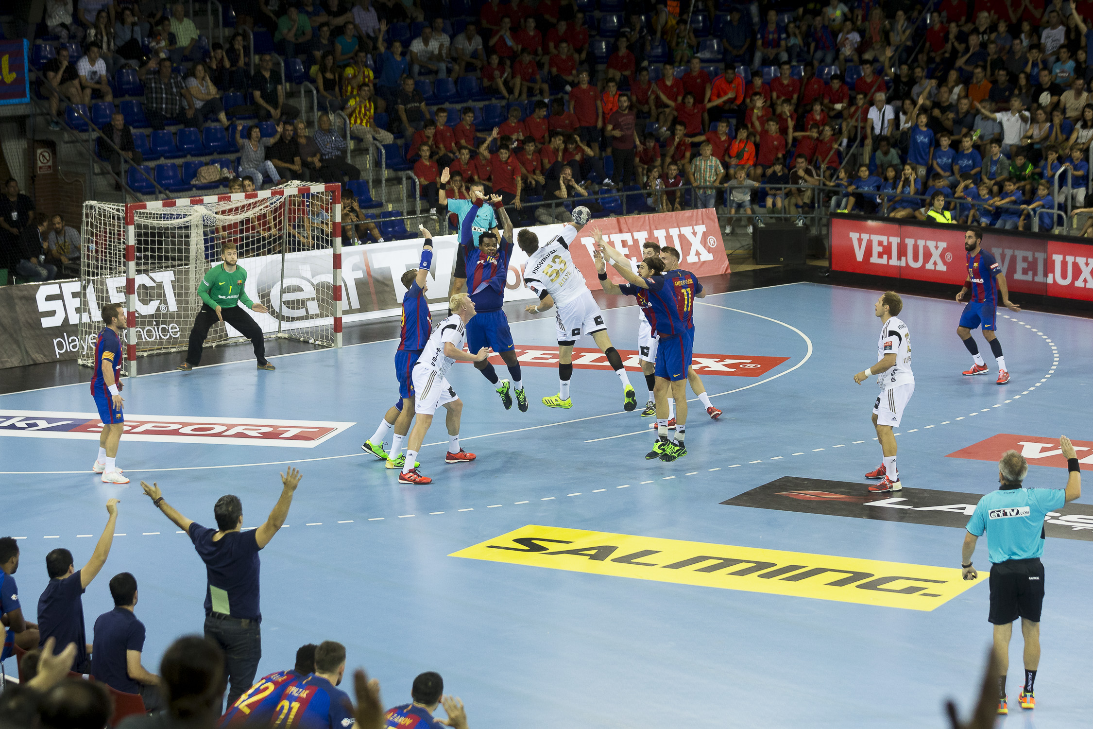 portfolio20161001-handball-cl-barca-thw-kiel-1072-bc3t0287