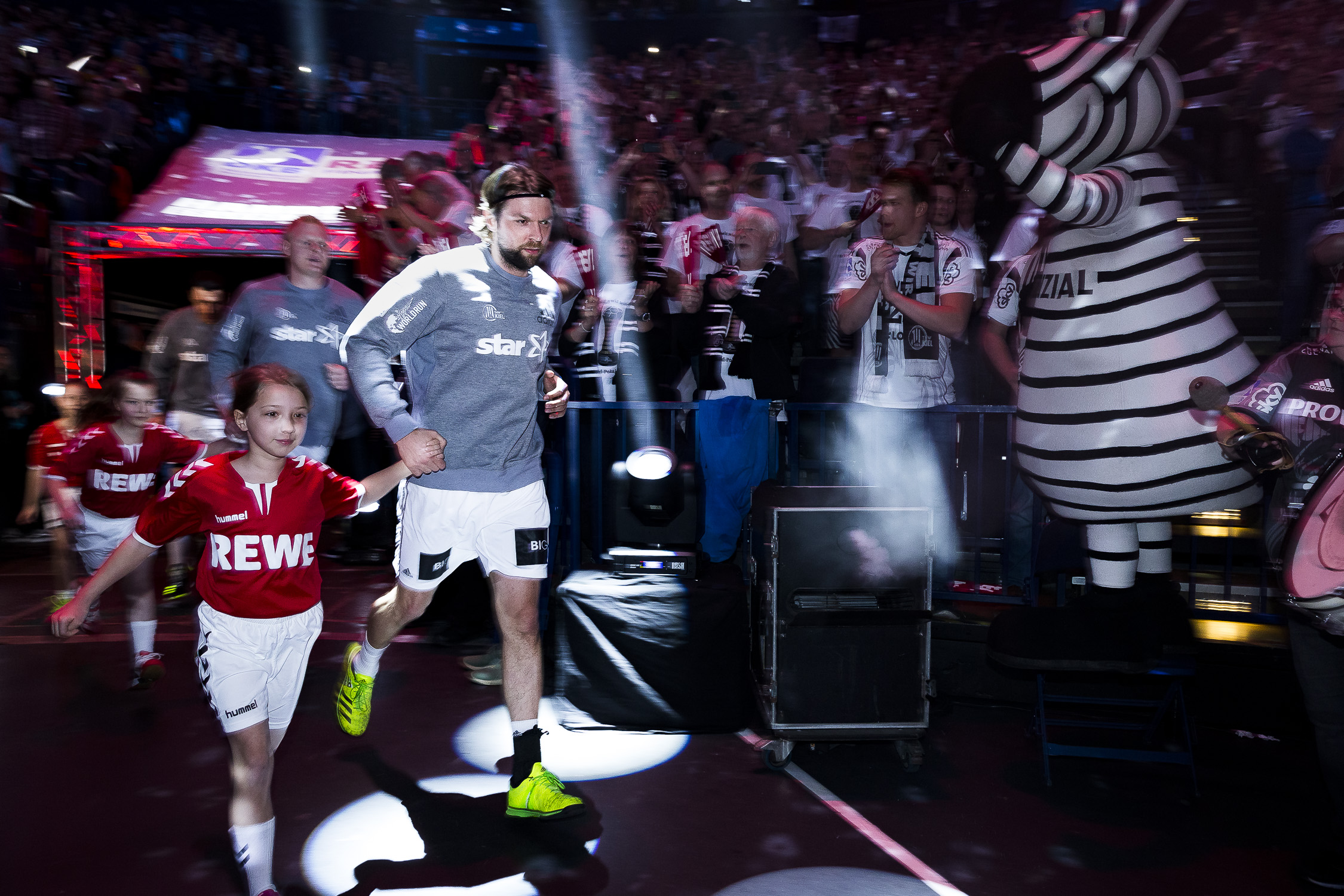 Portfolio(20170409 – DHB Pokalfinale THW Kiel – Flensburg Handewitt – 163 (_L2Y0226))