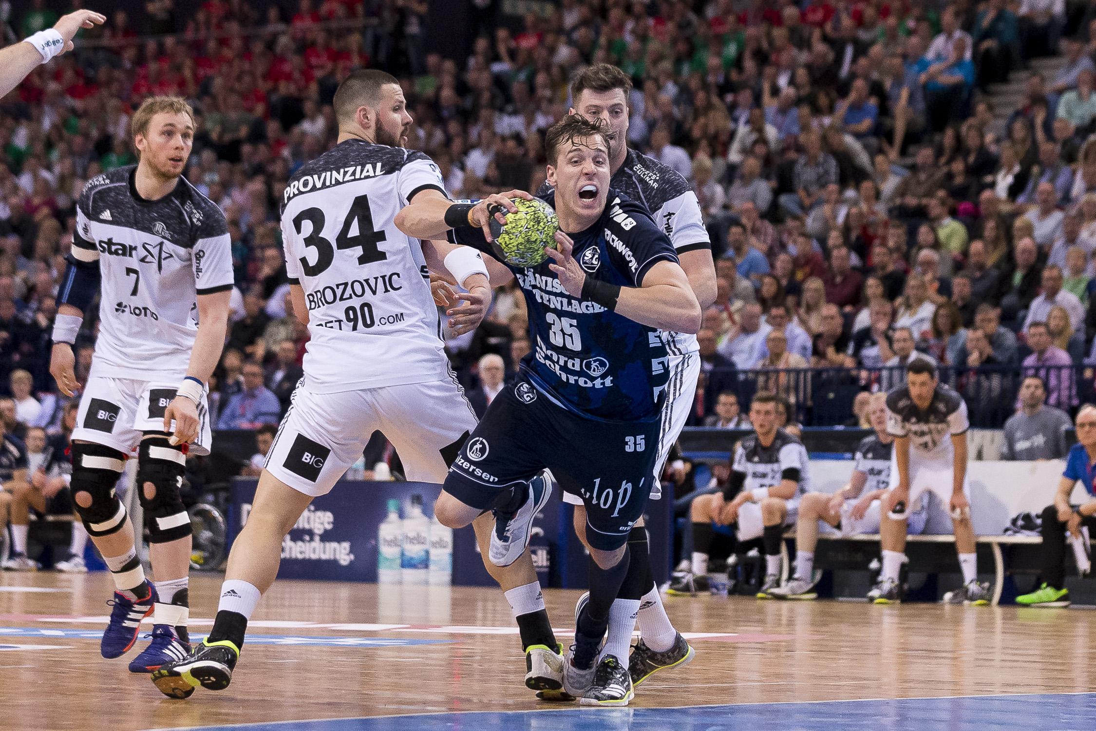 Portfolio(20170409 – DHB Pokalfinale THW Kiel – Flensburg Handewitt – 717 (_C3T0593))